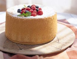 ブルーベリーとキイチゴのシフォンケーキ